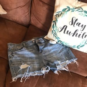 Old Navy distressed shorts.